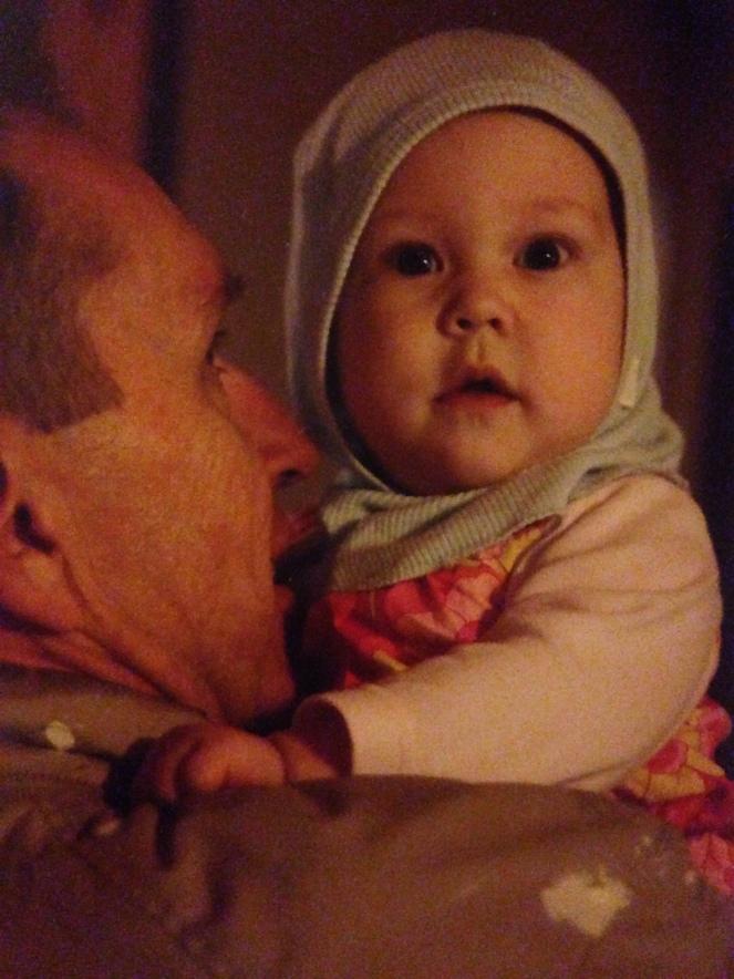 Tilda med sin morfar 2008