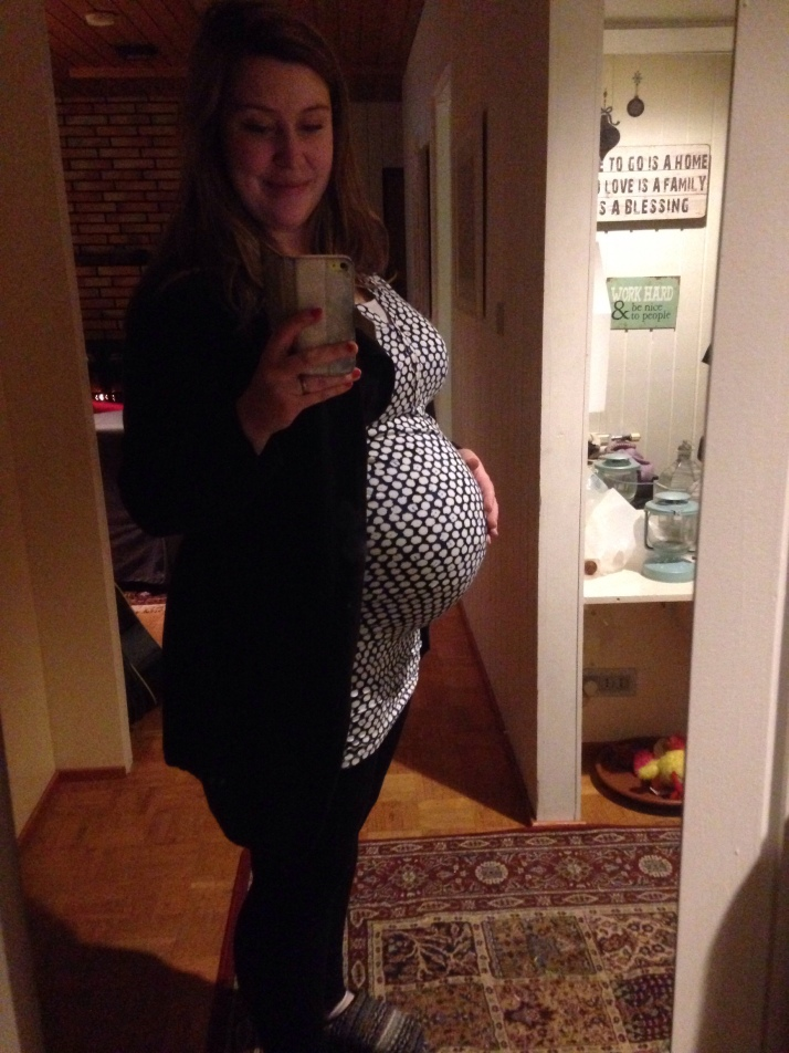 Vecka 36. Baby är i princip färdigbakad. Jag är åtminstone jävligt färdig.